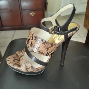 Women's shoes Michael Kors for Sale in San Diego, CA