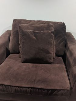Oversized Couch and Arm Chair Set for Sale in Hyattsville,  MD
