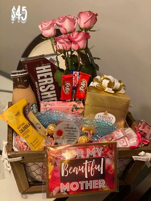 Mother's Day basket for Sale in Columbus, OH