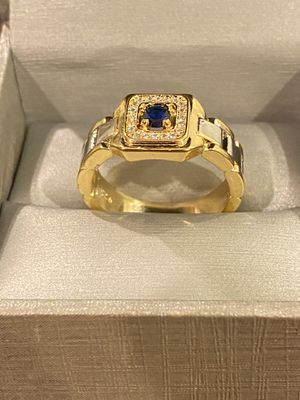 UniseX 18K Gold plated Luxurious Ring - Code GO20 for Sale in Sacramento, CA