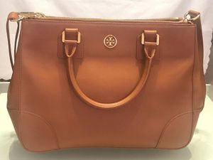 Tory Burch Robinson Double Zip-Pocket Tote Bag, Luggage for Sale in Hialeah, FL