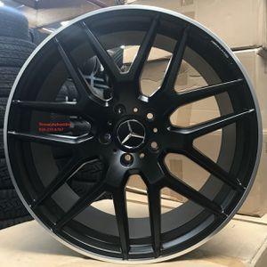 "22"" Wheels fit Mercedes Toyo Tires G Wagon G55 G550 G500 AMG G63 Gunmetal Rims Black Wheels Lexani tires for Sale in Orange, CA"