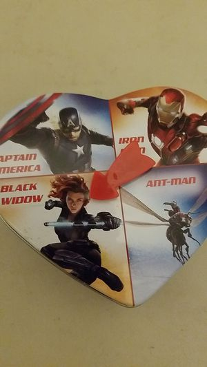 Avengers/Captain America Civil War Valentine's Day Tin w/ Spinner for Sale in Portland, OR