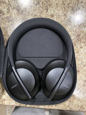 Bose nc 700 series noise cancelling headphones like new for Sale in Gibsonville, NC
