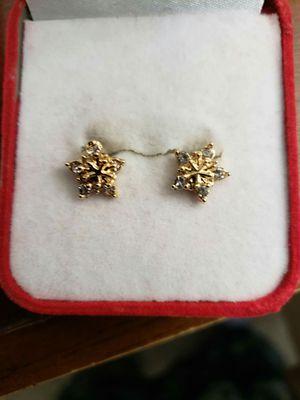 Ladies cute snowflake crystal Stud earrings for Sale in Moreno Valley, CA