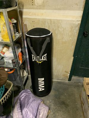 Punching bag 75 lbs. for Sale in West Valley City, UT