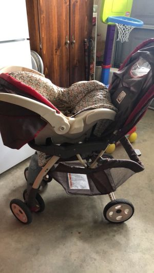 Baby stroller with car seat and base for Sale in Sparks, NV