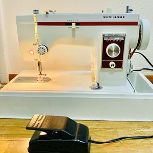 Vintage Sewing Machine Very Heavy Duty . Can Sew Leather . for Sale in Tacoma, WA