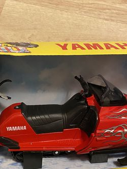 Remote Control Snowmobile Yamaha for Sale in Los Angeles,  CA