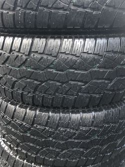 Set of 4 used tires 265/65R17 all terrain like new! for Sale in Milwaukie,  OR
