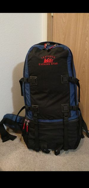 Backpack traveling/camping. 65 L for Sale in Gresham, OR
