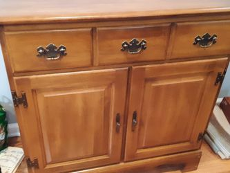 Nice Maple Storage With One Drawer for Sale in Charleston,  SC
