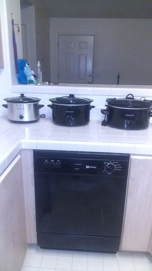 Three crock pots for sale for Sale in Las Vegas, NV