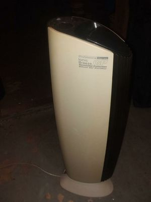 Ionic Breeze UV Light Air Purifier for Sale in Lynchburg, VA