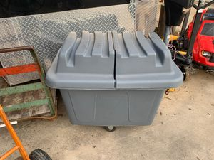 Laundry Bin, Trash Can, cube truck Rubbermaid for Sale in Fort Worth, TX