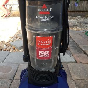 Bissell Powerforce Helix Vacuum for Sale in Tampa, FL