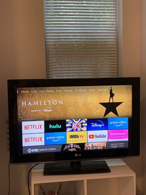 32 inch LG TV for Sale in Tampa, FL