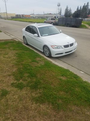 BMW salvage is good conditions automatic for Sale in Sanger, CA