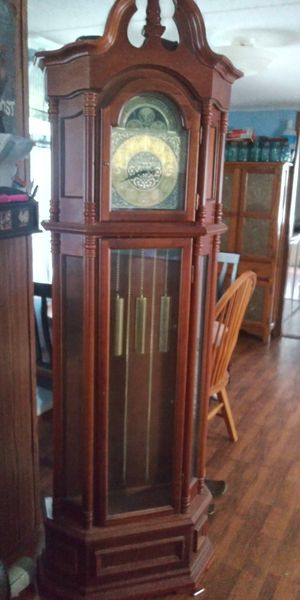 Gradfather clock for Sale in Halfway, KY