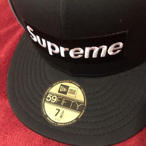 Supreme Box Logo Fitted Hat 7 3/8 for Sale in Arcadia, CA