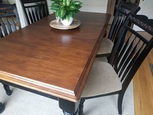 Cherry Wood Expandable Dining Room Set for Sale in Piedmont, CA