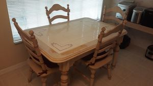 Kitchen table, 4 chairs for Sale in Orlando, FL