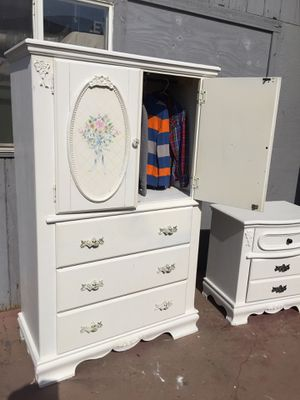 White three drawers dresser and closet come with one night stand in good condition. for Sale in Fresno, CA
