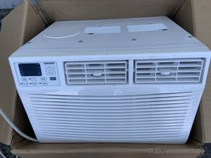 Amana 6,000 BTU Window Air Conditioner with Dehumidifier and Remote AC 250 sqft for Sale in Ontario, CA