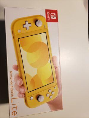 Nintendo switch lite yellow for Sale in Methuen, MA