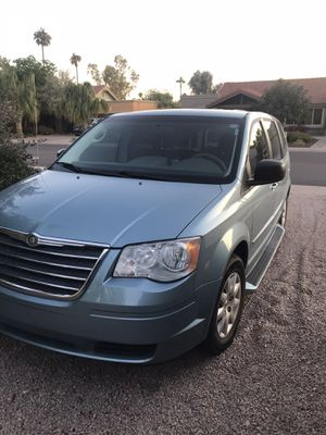 2010 Chrysler Town and Country mini van for Sale in Tempe, AZ