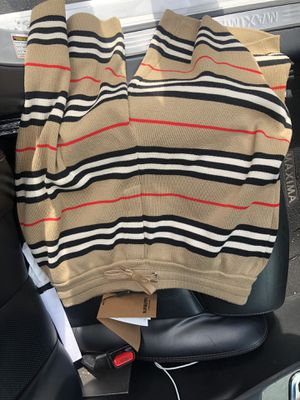 Burberry shorts brand new medium for Sale in Paramount, CA