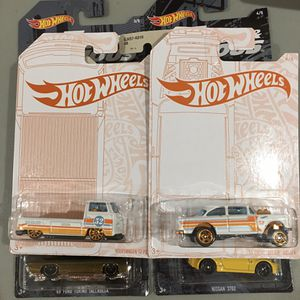Hot Wheels Pearl and Chrome T2 Pickup and Gasser for Sale in Clovis, CA