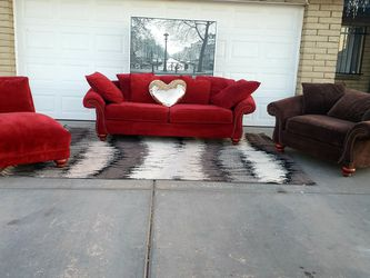 Sectional Sofa Couch And Chaise Lounge for Sale in Glendale,  AZ