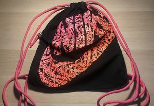 Pink Nike Drawstring Bag for Sale in Prince George, VA