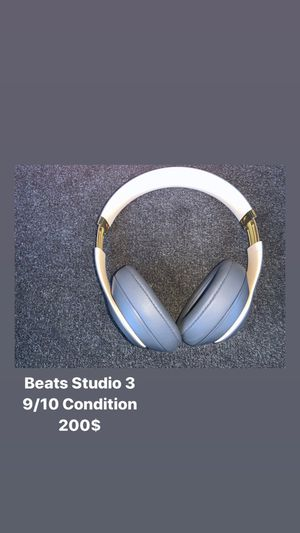 Beats Studio 3 Noise Canceling 9/10 almost 10/10 condition. for Sale in Providence, RI