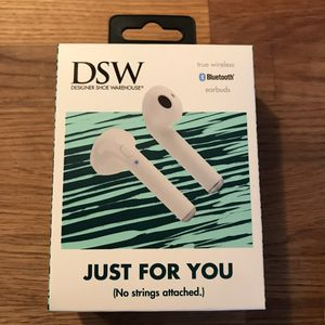 DSW Bluetooth wireless headphones for Sale in Stamford, CT