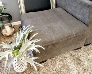 """Slate Grey Fabric White Stitched Ottoman 32"""" x 32"""" x 18"""" H for Sale in Arvada, CO"""