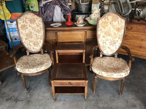 Antique chairs and center table for Sale in Fresno, CA