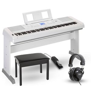 Yamaha Keyboard DGX 660 for Sale in Queens, NY