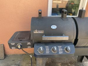 brinkmann 3 burner charcoal & gas combo grill with side for Sale in Brooklyn, NY