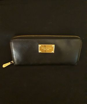 Michael Kors: Wallet: Leather for Sale in Memphis, TN