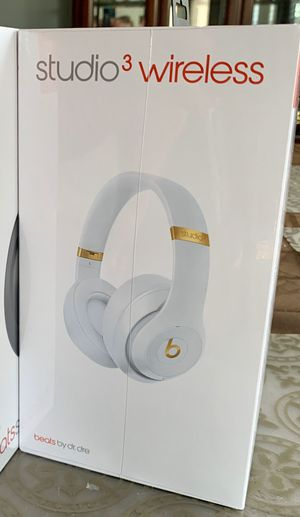 Beats Studio 3 Wireless White - New for Sale in Lexington, KY