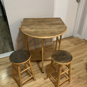 Folding Dinging Table With Two Benched. for Sale in New York, NY