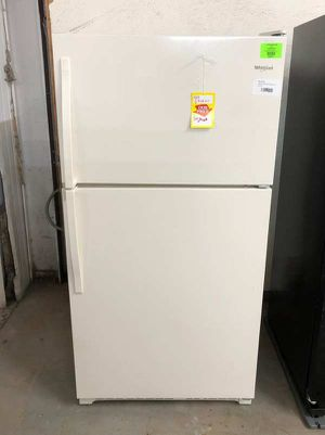 Whirlpool refrigerator E284 for Sale in El Paso, TX