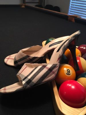 💯% Authentic Burberry Heels 38.5/38 for Sale in Orlando, FL