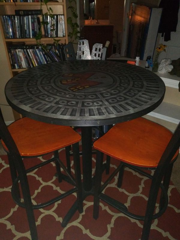 Vary unique kitchen table