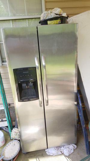 FREE Two free Refrigerators for Sale in La Vergne, TN