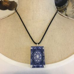 Blue & white print resin disc pendant necklace for Sale in Henderson,  NV