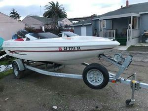 1995 glastron ski boat 120 horse power Force by mercury 2 stroke Very low hours on engine Starts right up ready to go for Sale in Hayward, CA