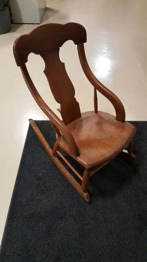 Antique childs rocking chair for Sale in Columbus, OH